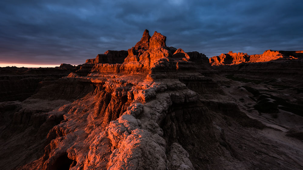 South Dakota Desktop Wallpaper: A contrasty image of sunrise at Doors and Windows in Badlands National Park at sunrise