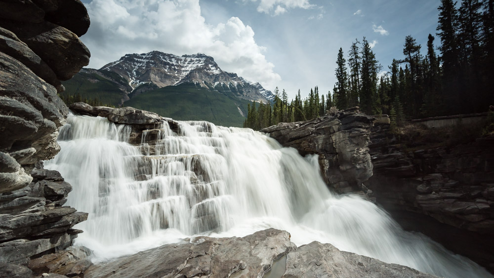 1/8 of a second isn't slow enough to capture smooth water at Athabasca Falls